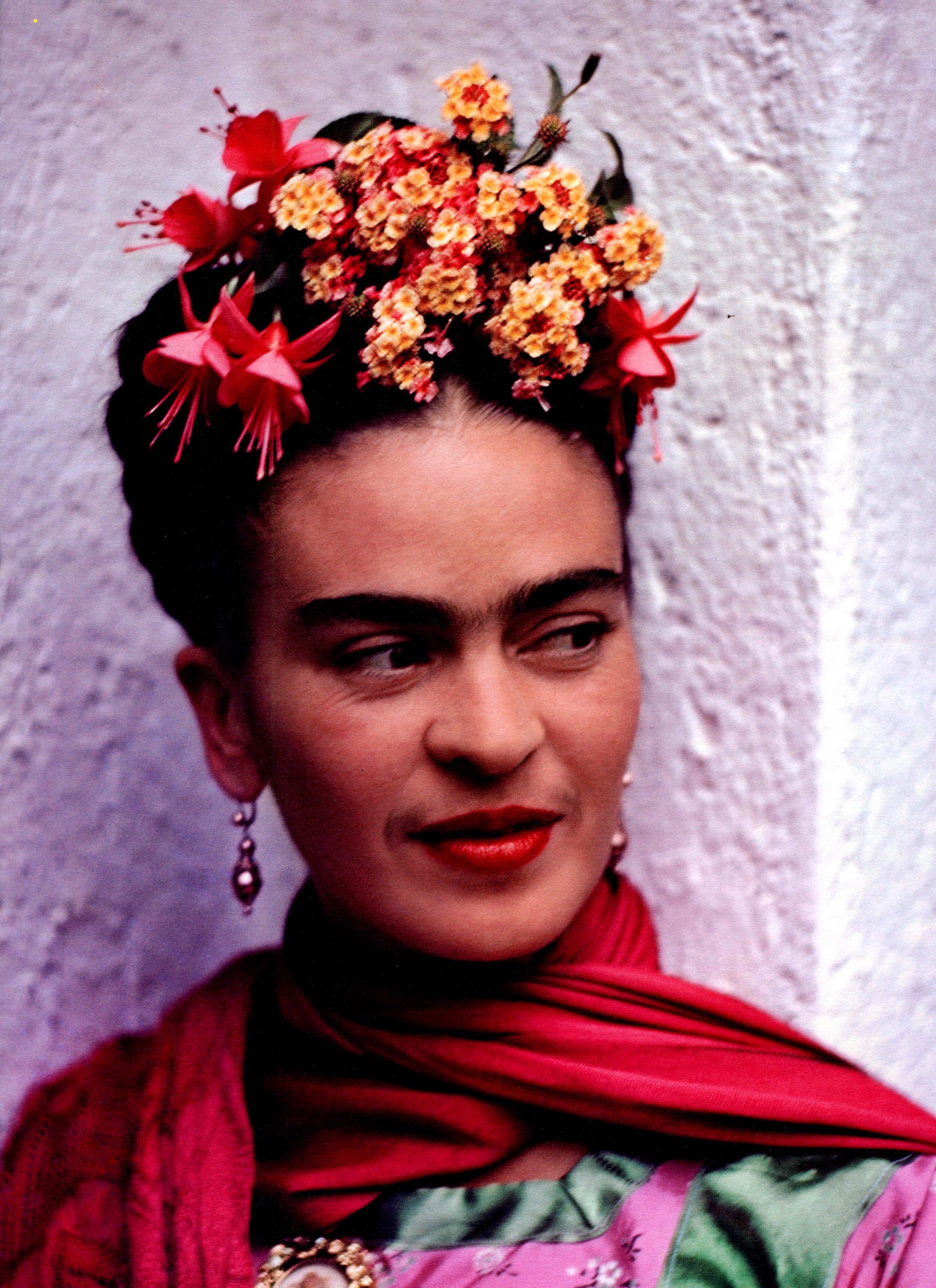 portrait of kahlo audi mur. Black Bedroom Furniture Sets. Home Design Ideas